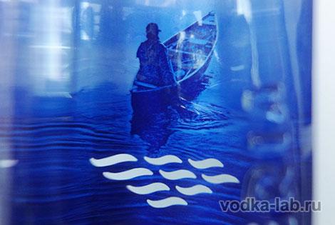 Фото человек плывет на лодке
